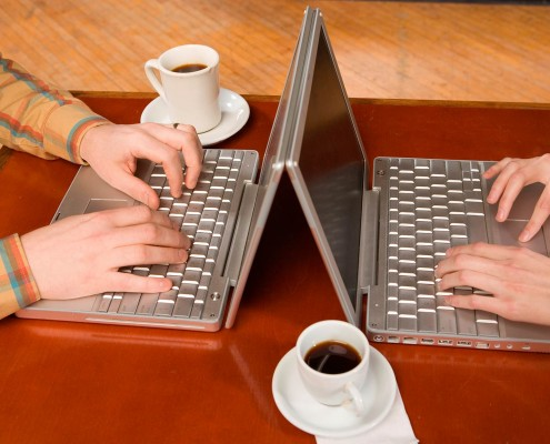 The Coffee Bean has free wi-fi internet access